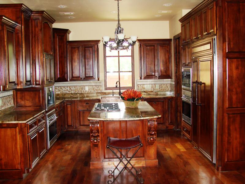 R & R Custom Woodworks - GALLERY Laundry Rooms Old world ...